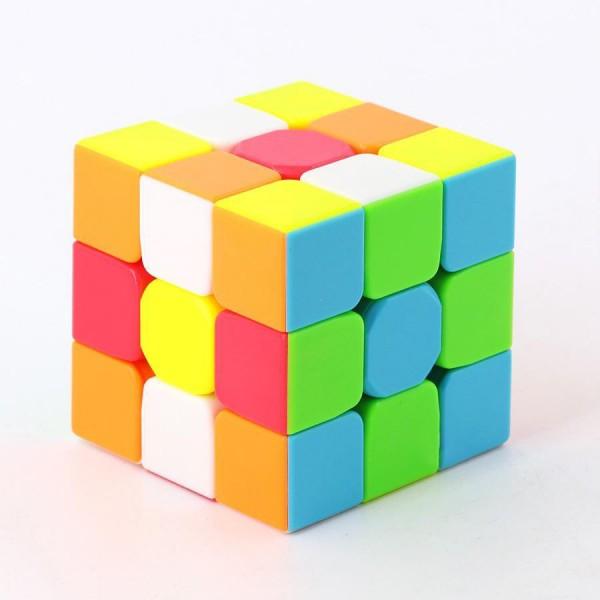 Головоломка Кубик Рубика 3х3 в дисплее